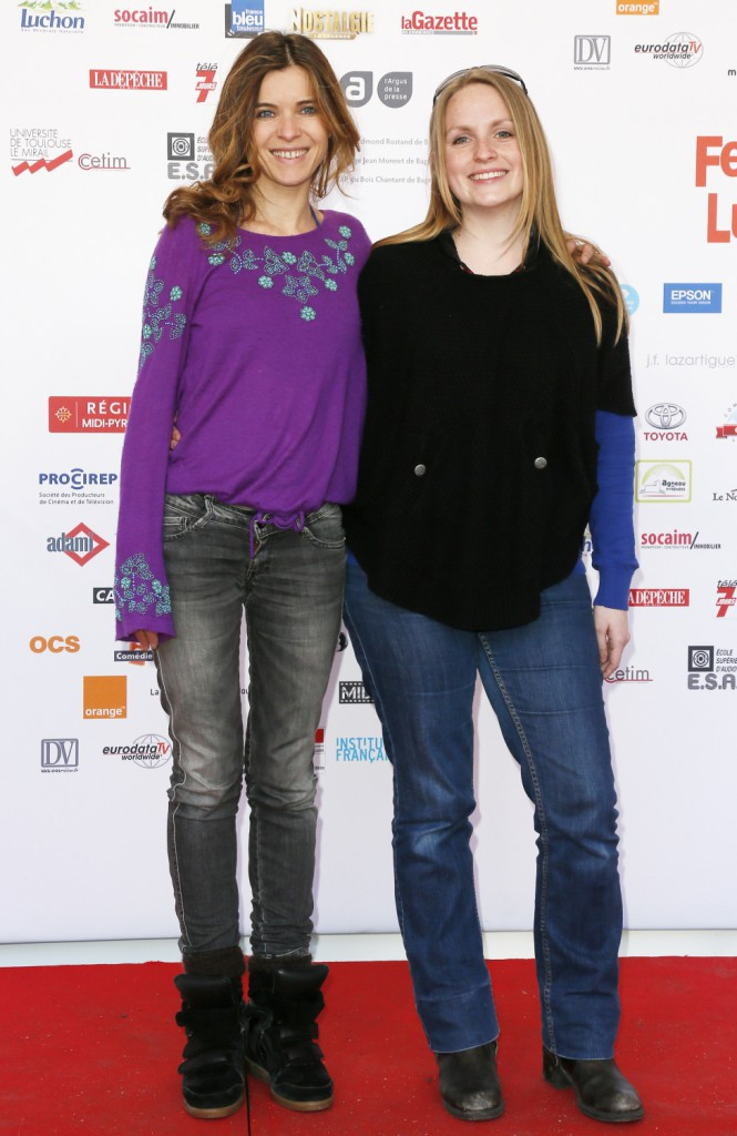 """Photos : Lucie Barret : l'atout charme de la série """"Famille d'accueil"""" !"""