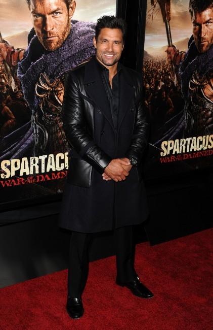 Manu Bennett le 22 janvier 2013 à Los Angeles
