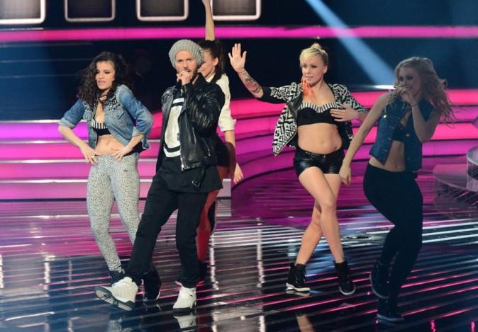 M. Pokora en duo avec Patricia Kazadi sur le plateau d'X Factor en Pologne le 13 avril 2013
