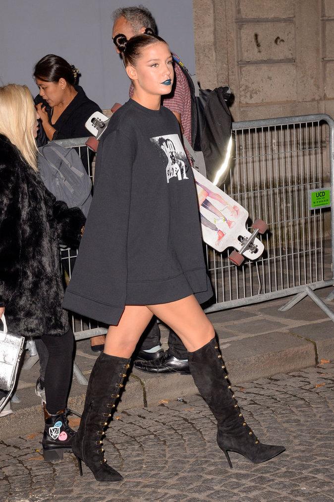 Adele Exarchopoulos ce mercredi 28 septembre à Paris au défilé de Rihanna pour Puma