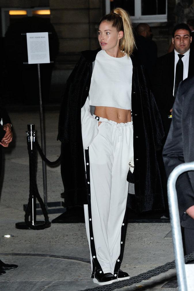 Doutzen Kroes ce mercredi 28 septembre à Paris au défilé de Rihanna pour Puma