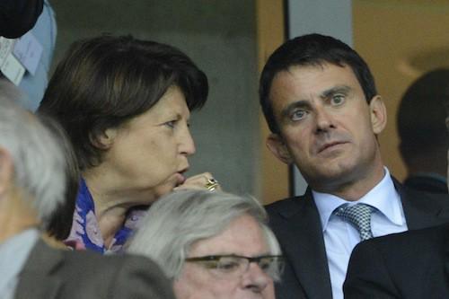 Manuel Valls avec Martine Aubry au grande stade de Lille pour un match de foot Lille-PSG