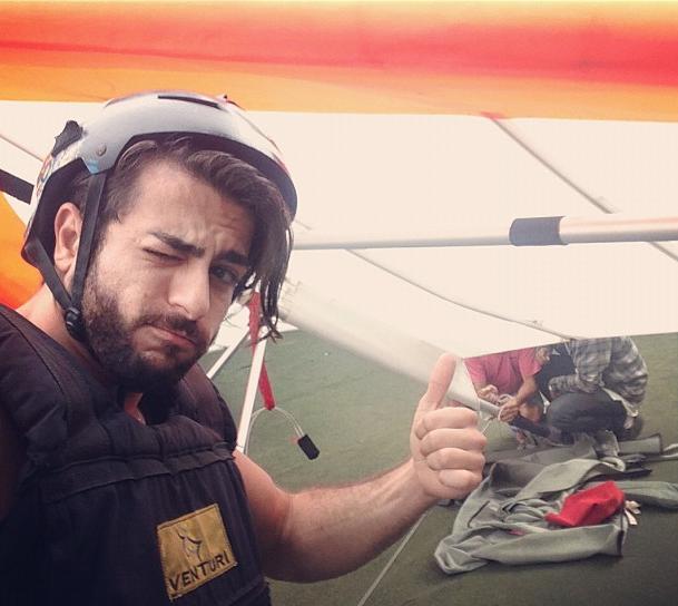 Harry Louis est prêt pour sauter en parapente !