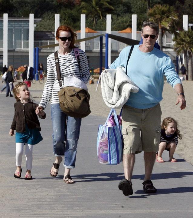 Marcia Cross en famille sur une plage de Santa Monica, le 30 mai 2011.