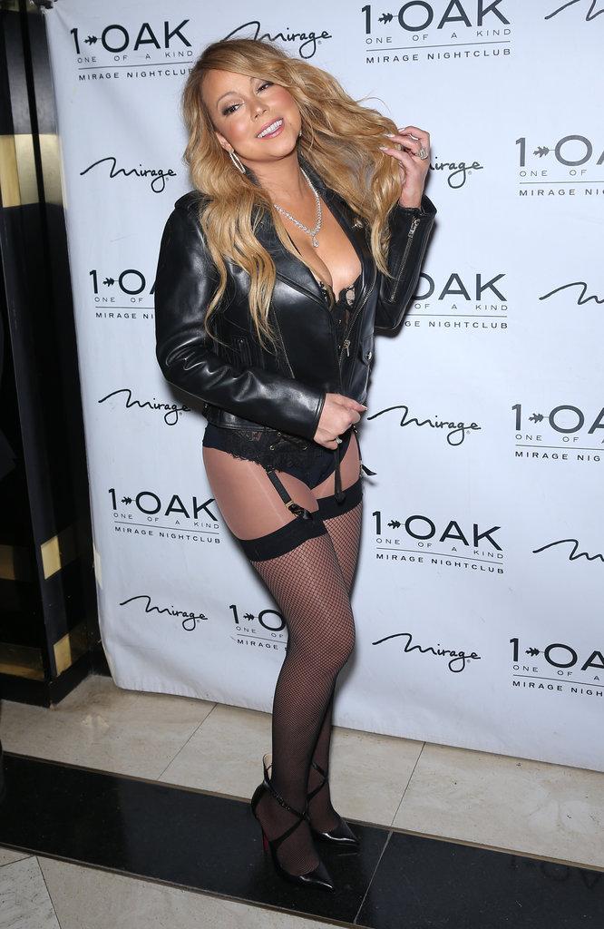 Photos : Mariah Carey : blouson en cuir, gros décolleté et porte-jarretelles, elle passe du bon temps à Las Vegas !