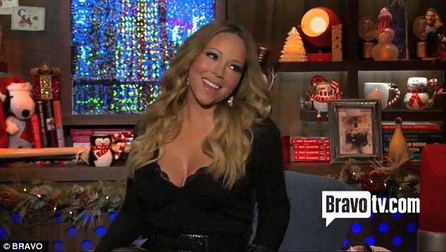 Mariah Carey sur le plateau de l'émission What Happens Live.