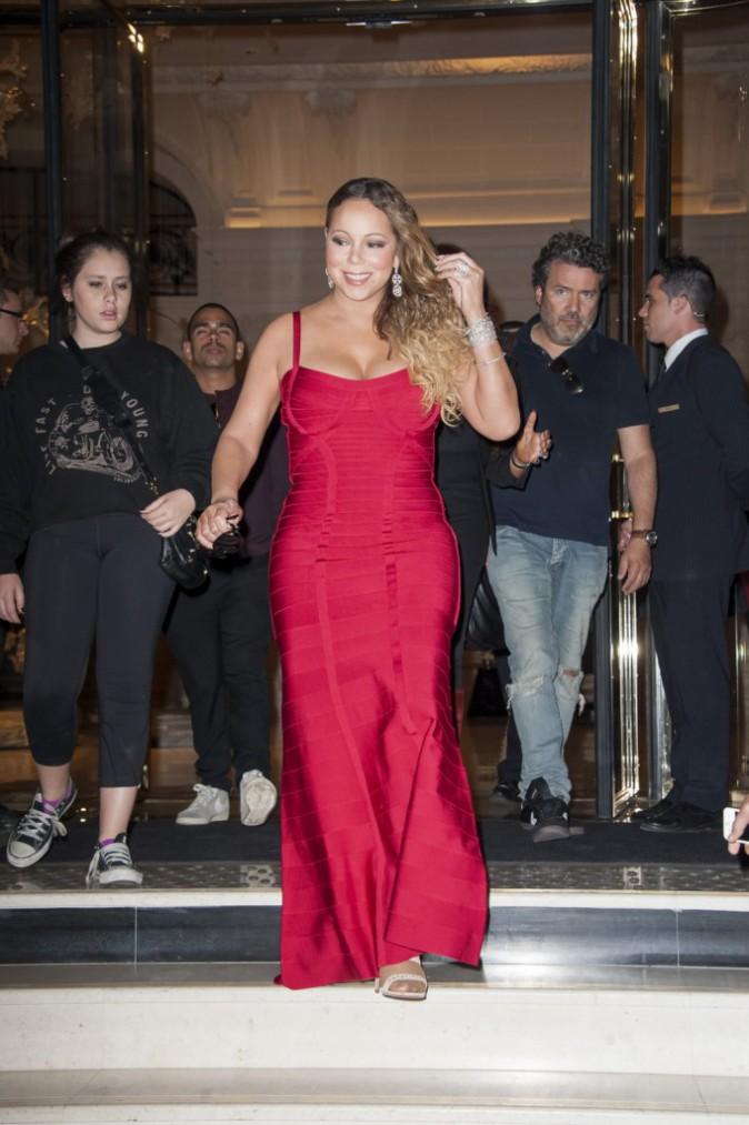 Photos : Mariah Carey fait le show pour son arrivée à Paris !