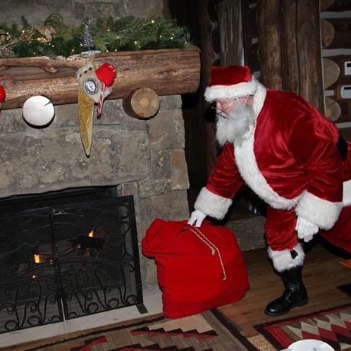 Photos : Mariah Carey : la diva qui murmurait à l'oreille du père Noël !