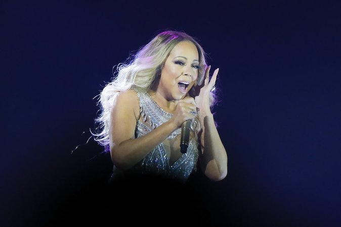 Mariah Carey sur scène à Paris