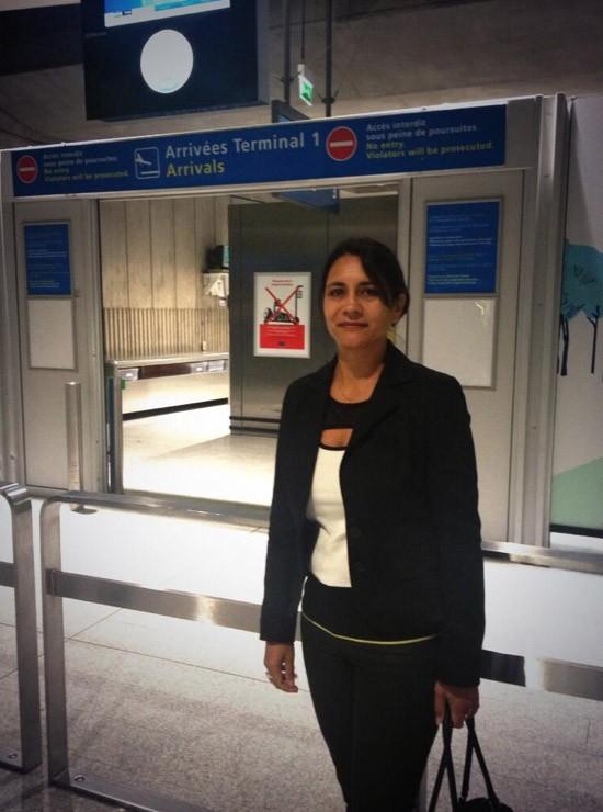 La maman de Marine à l'aéroport !