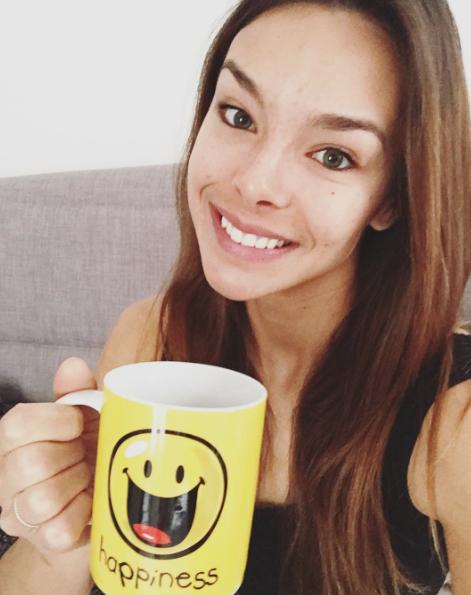 Photos : Marine Lorphelin : pour ses 23 ans, elle s'affiche au naturel !