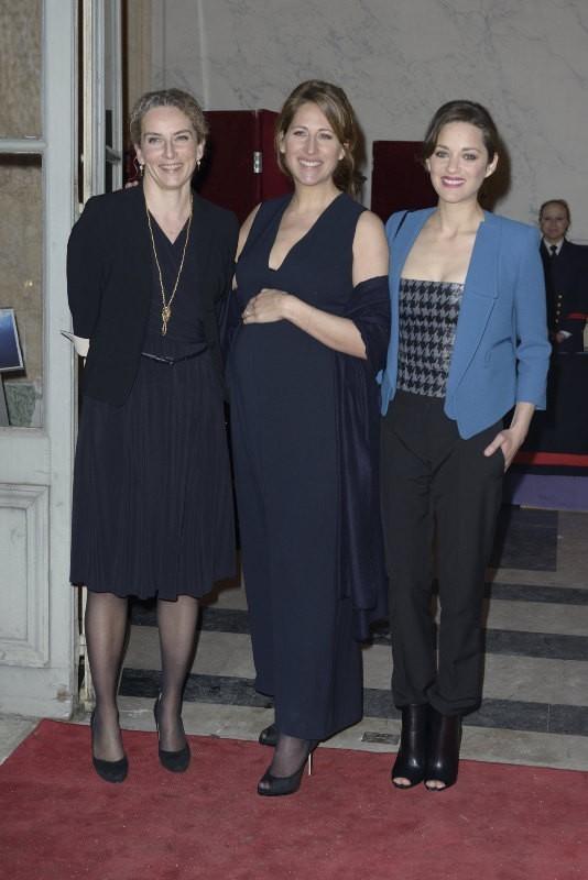 Delphine Batho, Maud Fontenoy et Marion Cotillard lors du gala de la fondation Maud Fontenoy à Paris, le 9 avril 2013.