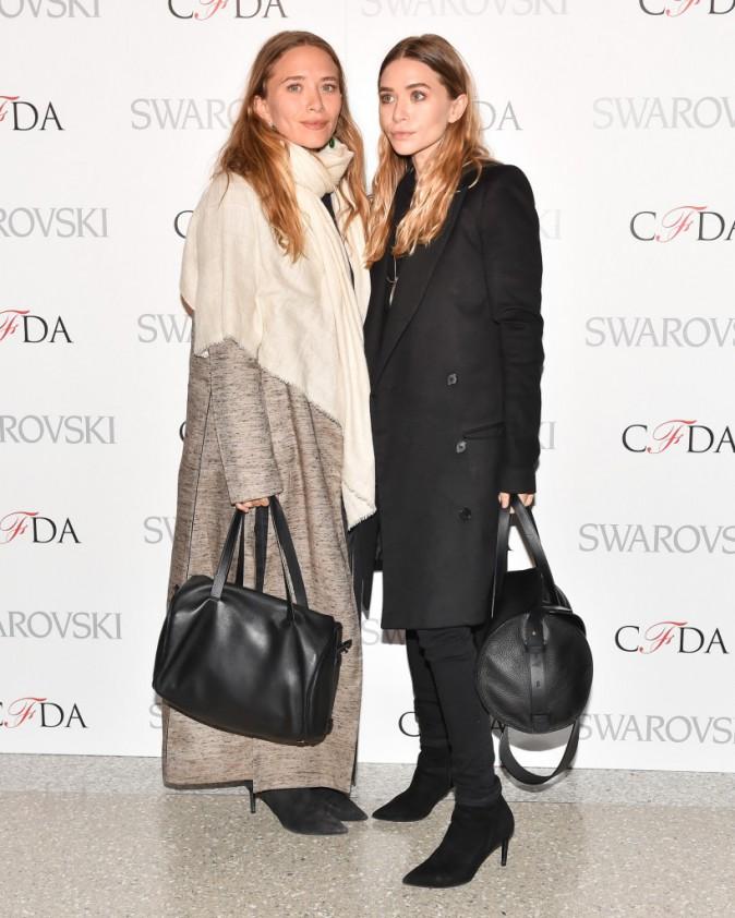 Photos : Mary-Kate et Ashley Olsen : tout en sobriété pour la soirée des CFDA Fashion Awards !