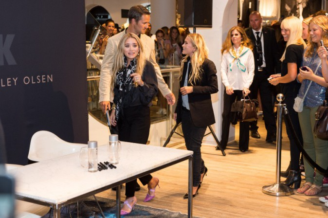 Mary-Kate et Ashley Olsen en promo en Norvège, le 7 août 2013.