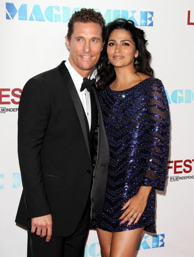 """Matthew McConaughey et Camila Alves lors de la première du film """"Magic Mike"""" à Los angeles, le 24 juin 2012."""