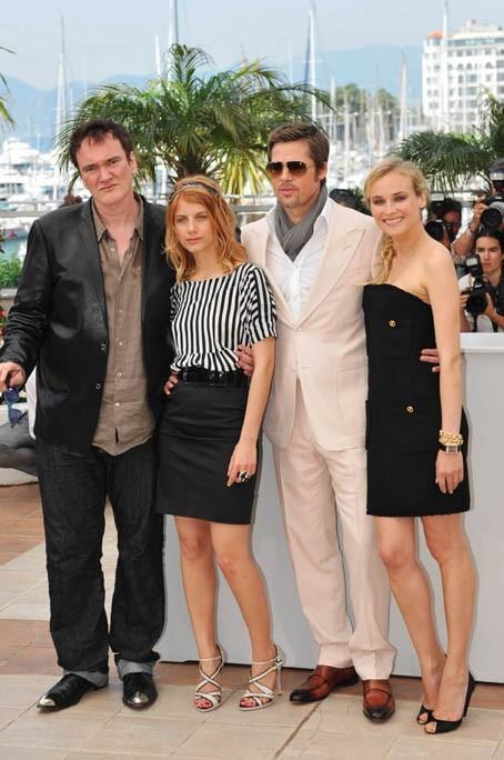 Avec l'équipe du film qui lui a changé la vie : Quentin Tarantino, Brad Pitt et Diane Kruger