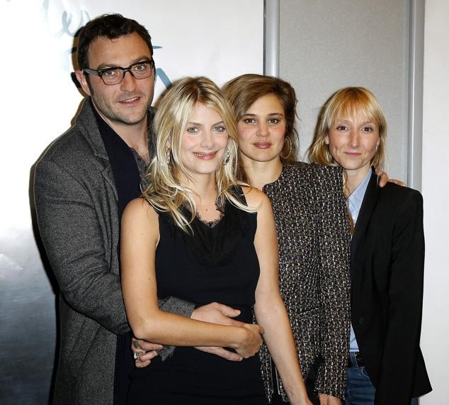 Mélanie Laurent avec toute l'équipe des Adoptés !