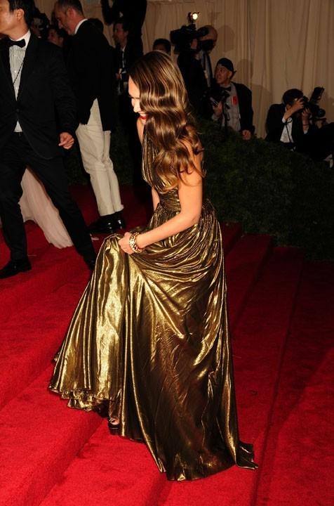 Jessica Alba au MET Ball le 7 mai 2012 !