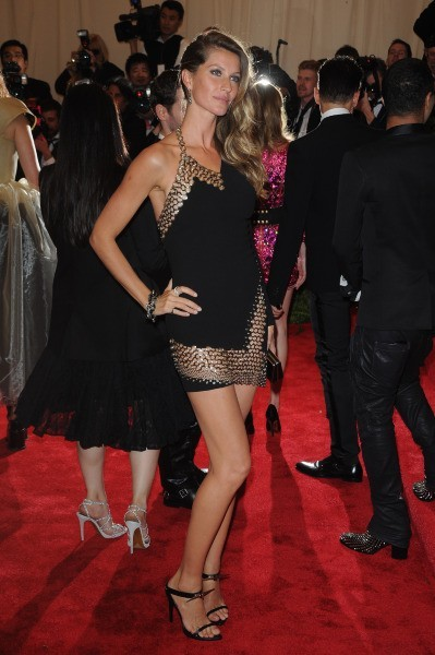 Gisele Bundchen et sa robe sexy au MET Ball 2013