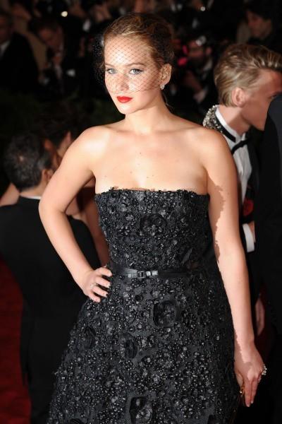 Superbe dans sa robe Dior