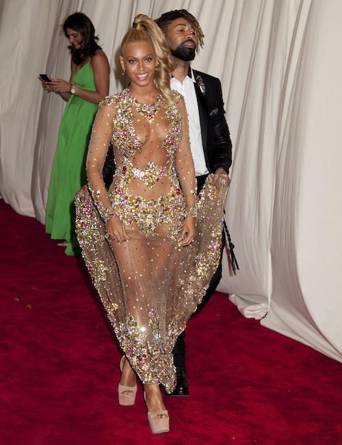 Photos : Met Gala 2015 : Beyoncé, nue sous sa robe pour son look le plus sexy de tous les temps !