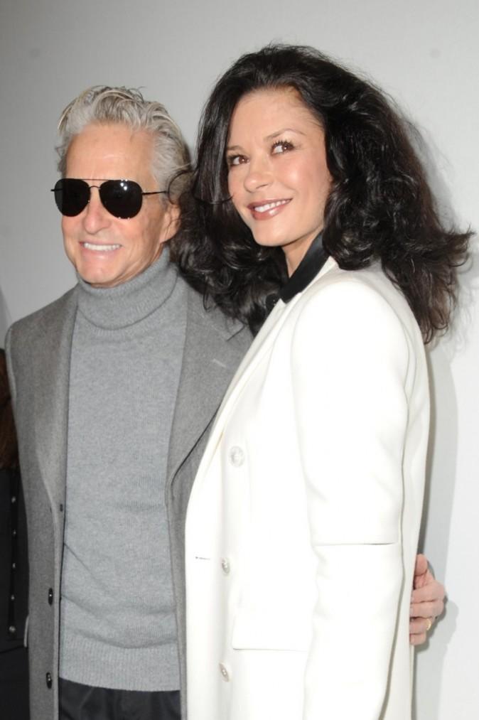 Michael Douglas et Catherine Zeta-Jones lors du défilé Michael Kors à New York, le 16 février 2011.