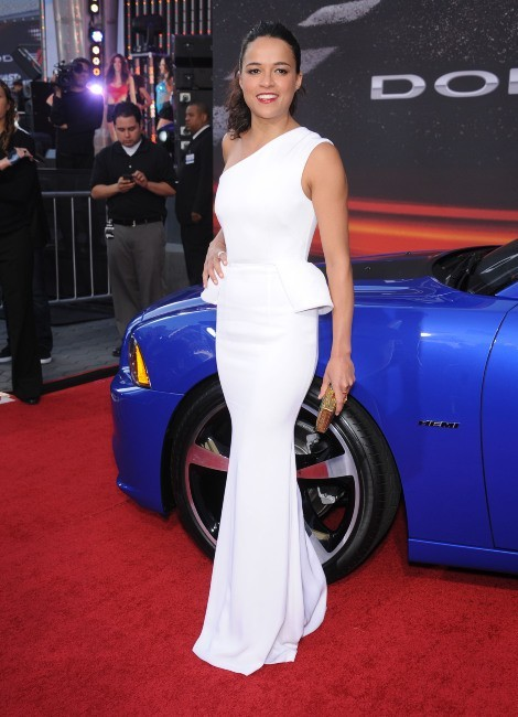 Michelle Rodriguez, glamour à la première de Fast and Furious 6