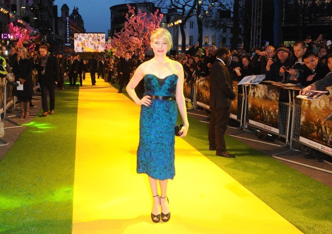 """Michelle Williams lors de la première du film """"Le Monde Fantastique d'Oz"""" à Londres, le 28 février 2013."""