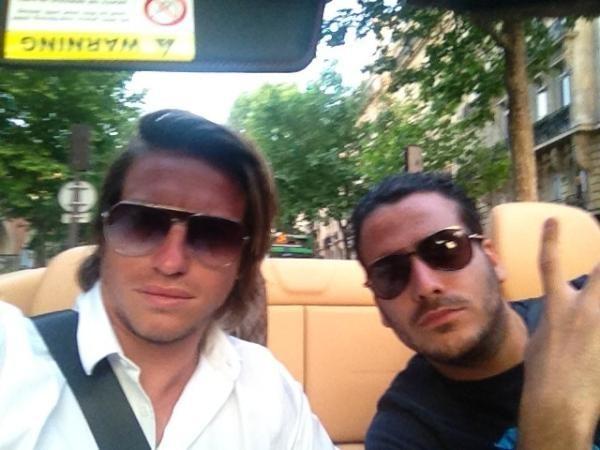 En Ferrari avec son pote Ruddy