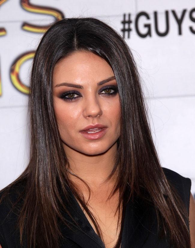 L'une des plus piquantes brunettes d'Hollywood ?