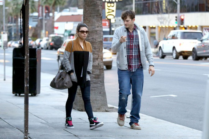 Mila Kunis et Ashton Kutcher à Studio City, le 3 mars 2014.