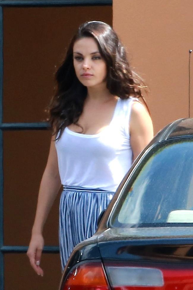 Mila Kunis à Los Angeles le 21 juillet 2015