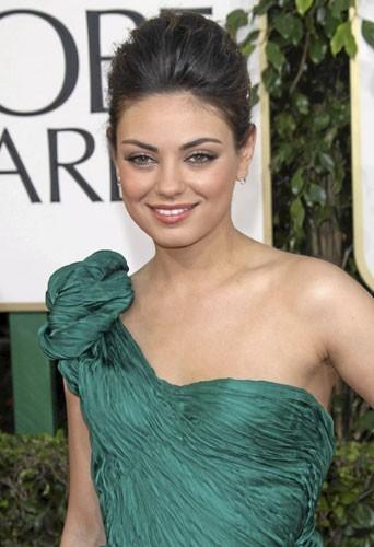 Photos : Mila Kunis aux Golden Globes