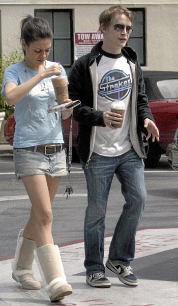 Photos : Mila Kunis en couple avec Macaulay Culkin en 2002