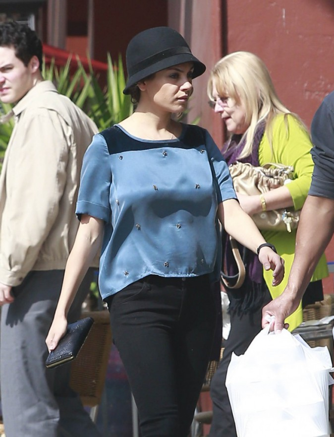 Photos : Mila Kunis : une maman stylée à la jolie silhouette retrouvée !