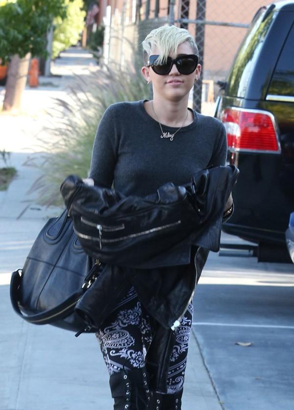 Miley Cyrus à Burbank, en Californie, le 26 octobre 2012