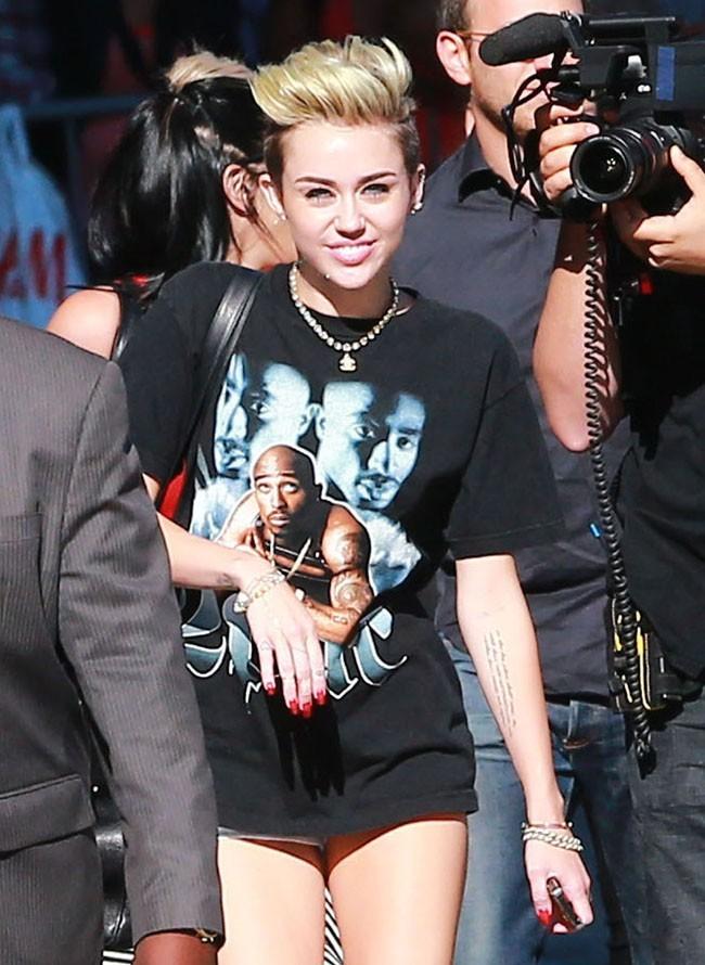 Miley Cyrus invitée du Jimmy Kimmel Live à Hollywood le 25 juin 2013