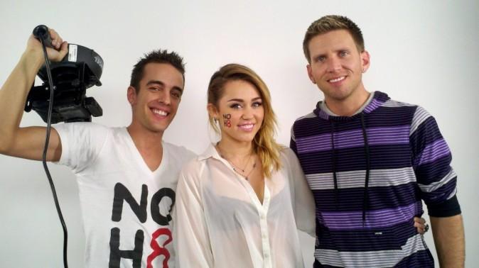 Miley fait dans la transparence pour soutenir le mariage gay !