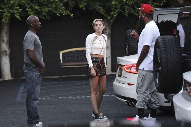 Miley Cyrus à la fin de sa journée d'enregistrement à Los Angeles le 13 août 2013