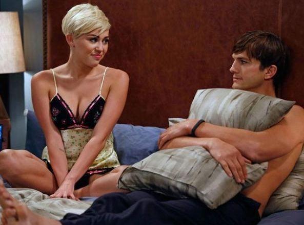 Miley et Ashton dans le même lit !