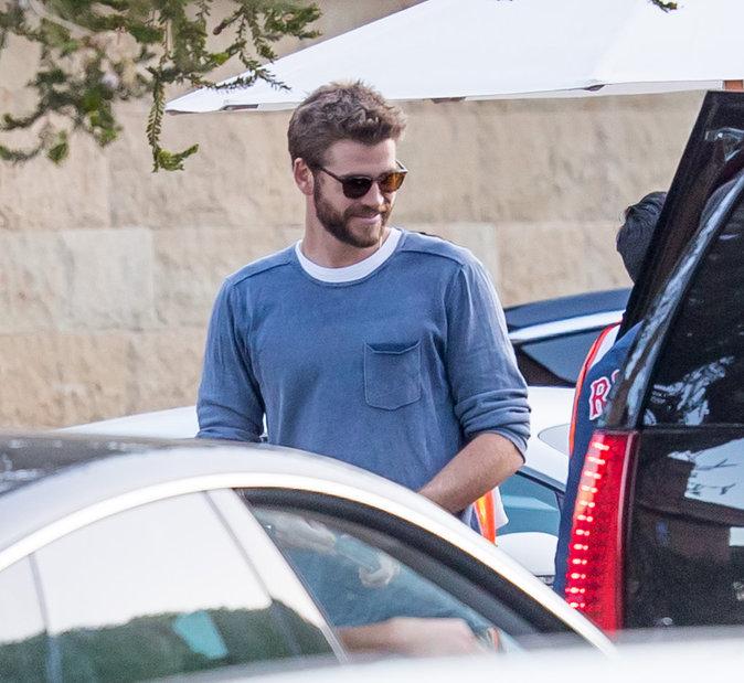 Liam Hemsworth semble plus heureux que jamais