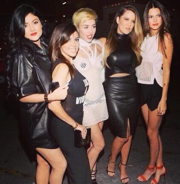 Miley et les soeurs Kardashian !