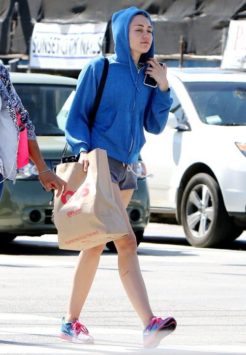 Miley Cyrus à Studio City le 14 avril 2015