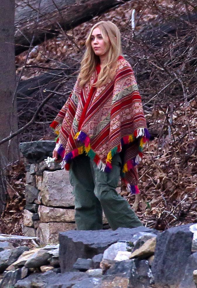 Miley Cyrus sur le tournage de la série de Woody Allen