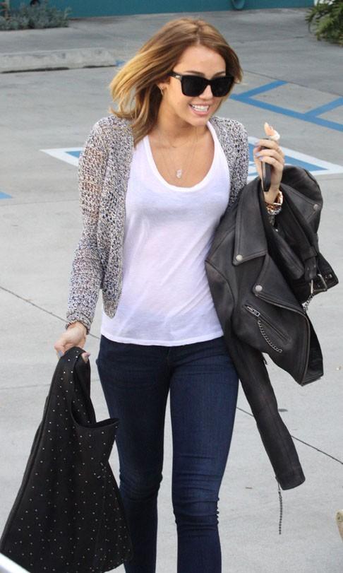 Miley Cyrus hier à la sortie de son cours de Pilates