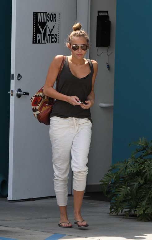 Miley Cyrus à la sortie de son cours de Pilates