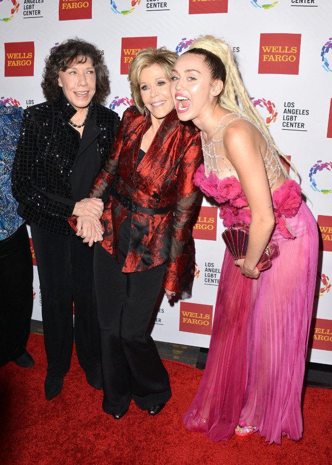 Jane Fonda et Miley Cyrus à Los Angeles le 7 novembre 2015