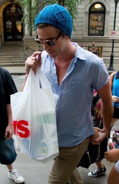 Liam Hemsworth à Philadelphie, le 19 juillet 2012.