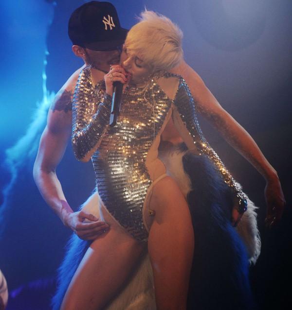Miley Cyrus en concert au G-A-Y club de Londres le 9 mai 2014
