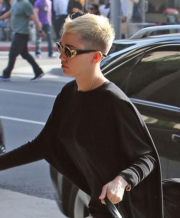 Miley Cyrus en visite chez le médecin à Beverly Hills le 5 décembre 2012
